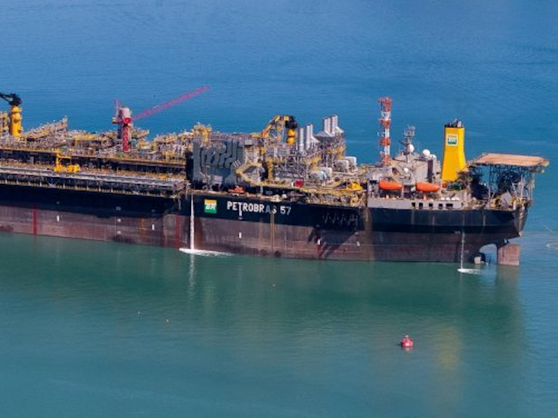 Parque das Baleias Offshore Oil and Gas Complex