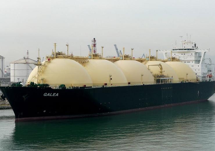 LNG tanker - WC Wolfgang Meinhart