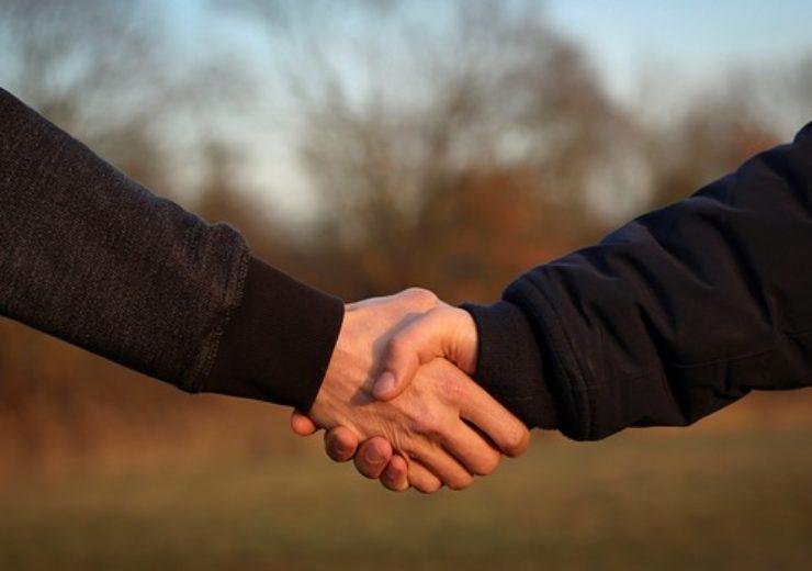 handshake-4002834_640