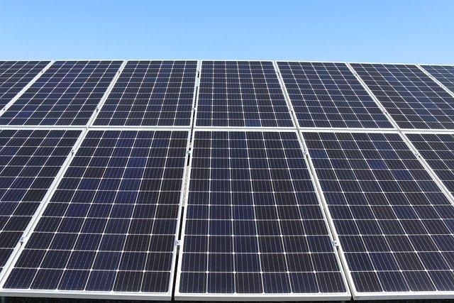 solar-panels-4985342_640