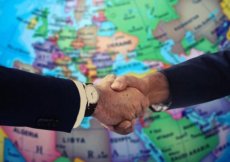 handshake-4229703_640