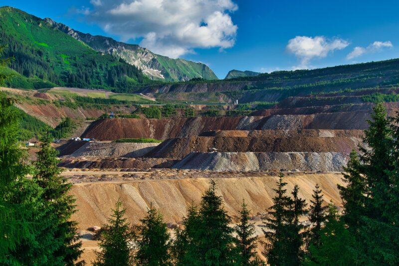 iron-ore-4316405_1280