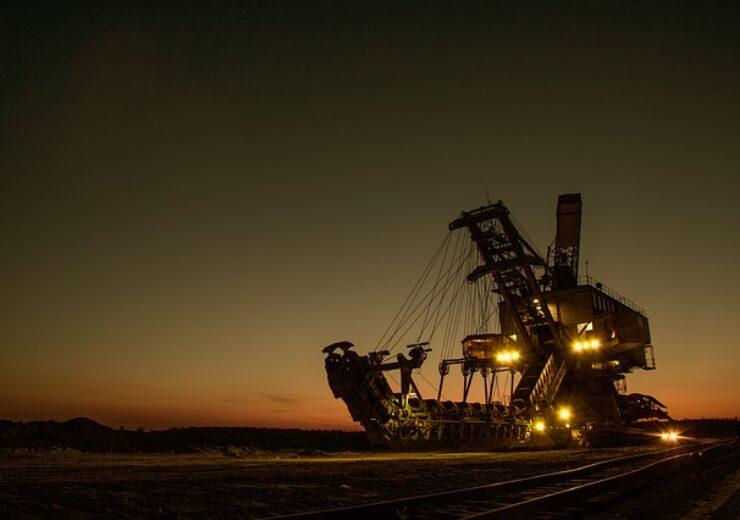 mining-excavator-1736289_640 (7)