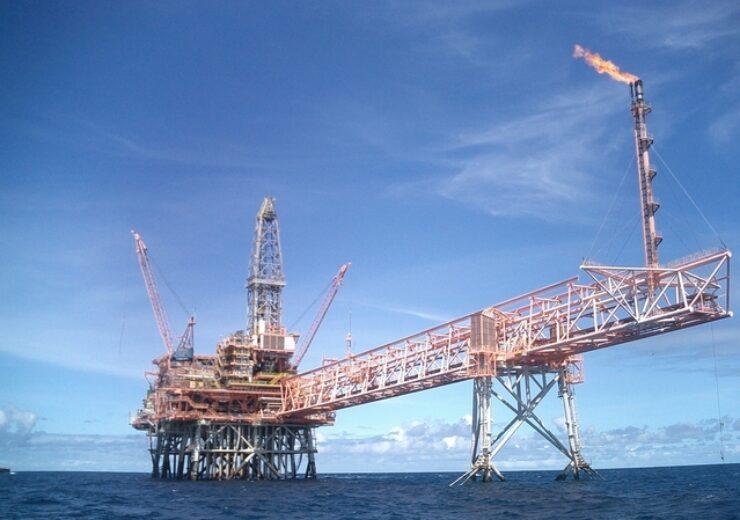 offshore-gass-platform-1420920-639x480