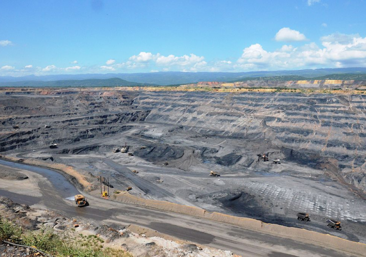 Cerrejon coal mine - WC Hour [dot] poing