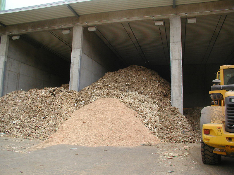 File source: http://commons.wikimedia.org/wiki/File:Waste_wood_1.JPG