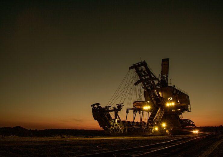 mining-excavator-1736289_640 (11)
