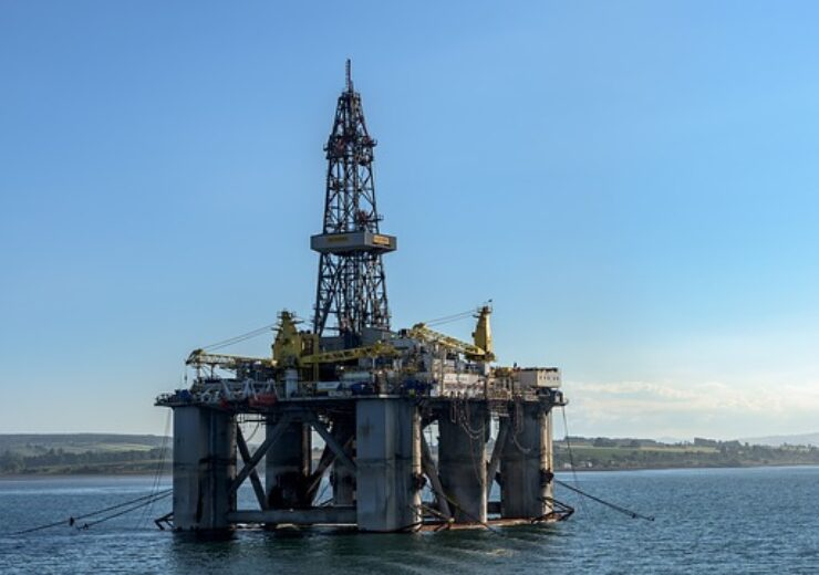 oil-rig-3522577_640