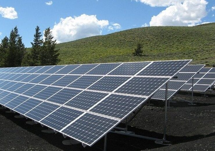 solar-panel-array-1591350_640(1)