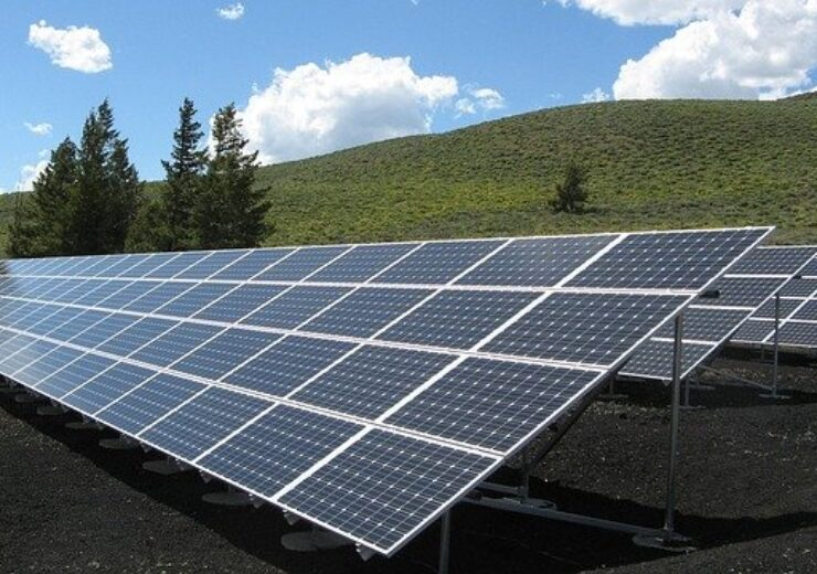 solar-panel-array-1591350_640(2)