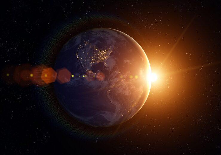 Sun earth solar - buradaki - Shutterstock 1044045757