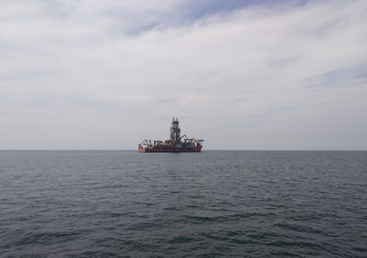 oil-rig-4903153_640