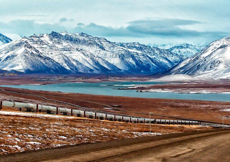 Alaska oil pipeline - Troutnut - Shutterstock 392296861