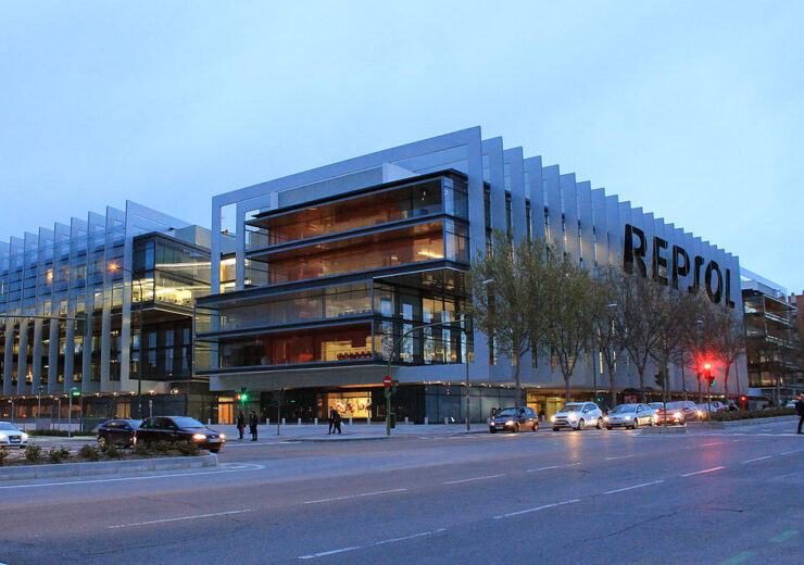 1200px-Repsol_headquarters_(Madrid)_01