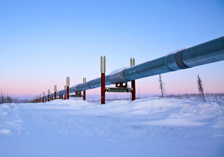 Alaska pipeline - Heather Lucia Snow - Shutterstock 143858812