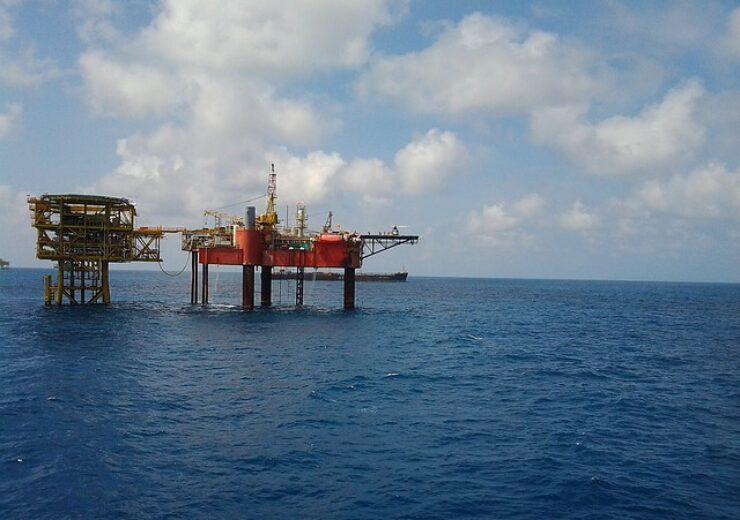 drilling-rig-444555_640 (1)
