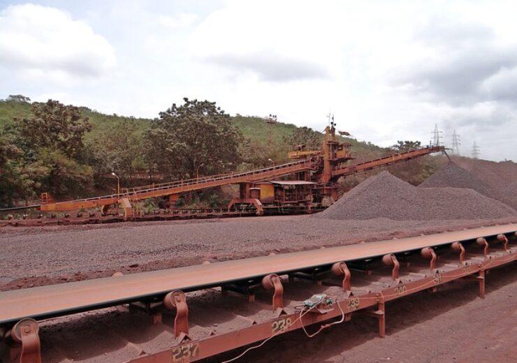 mining-856023_640