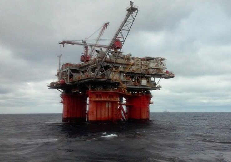 oil-rig-5232047_640