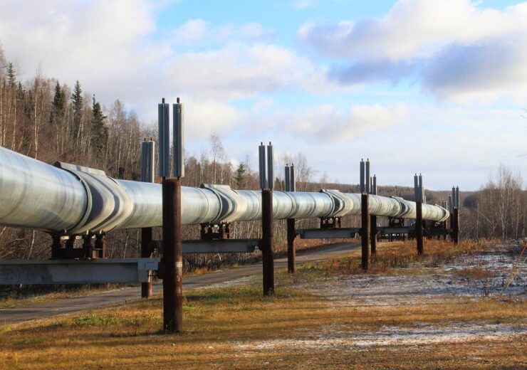 Alaska oil pipeline - pixabay