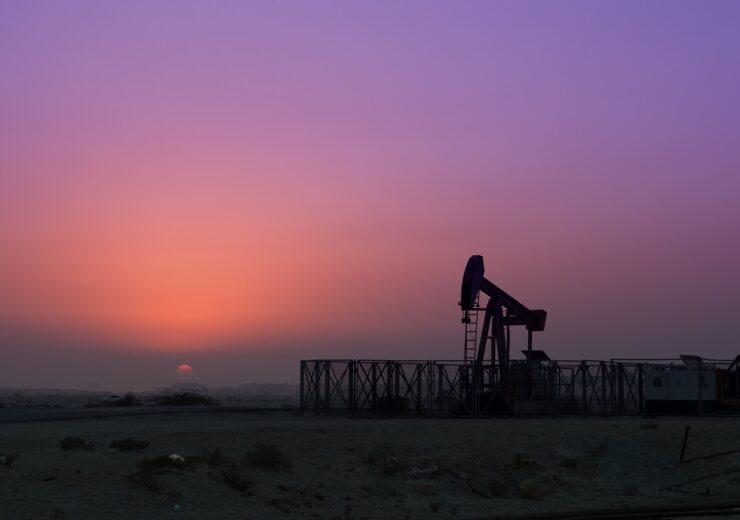Oilfield rig - azahar photography - Shutterstock 683380828