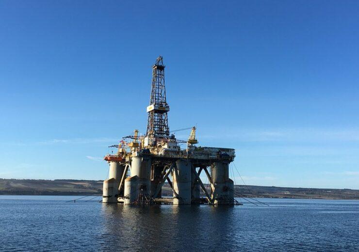 oil-industry-3289176_640