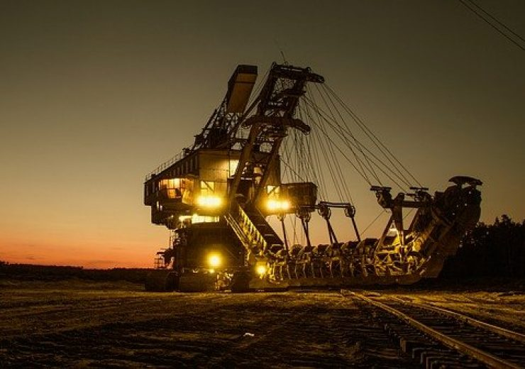 mining-excavator-1736293_640(5)
