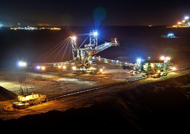 open-pit-mining-920200_640