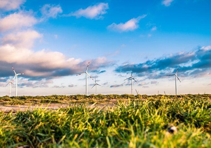 windmills-1209335_640
