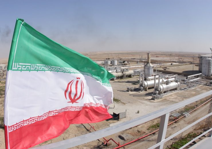 Oil,And,Gas,Refineries,/,Flag,Of,Iran