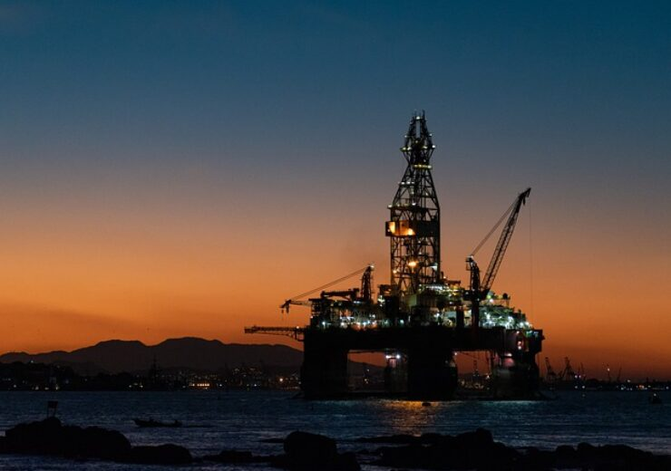 oil-rig-6522473_640(1)